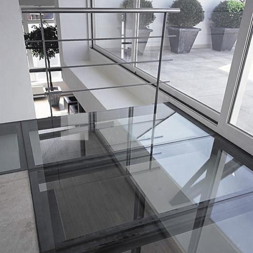 pol-iz-stekla-i-betona